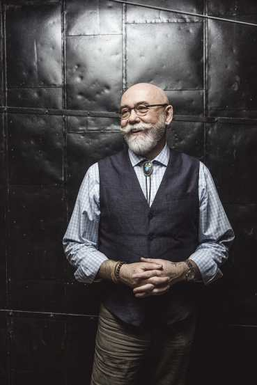 Scott_McKeen_relect_3370-0077-Edit-Colour